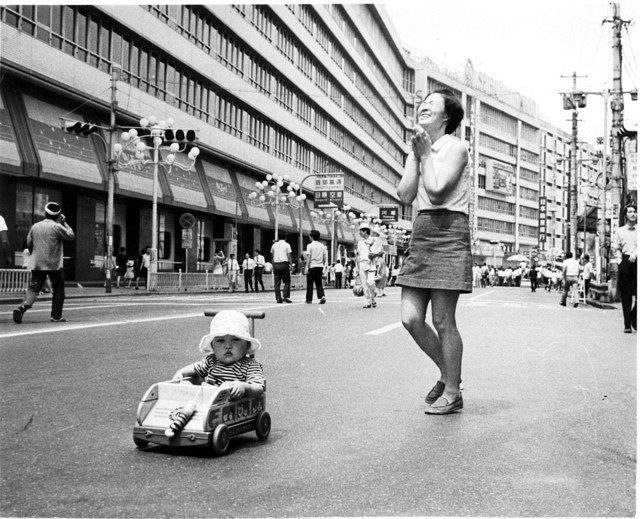 昭和生まれ集合!50年前の懐かしい歩行者天国(写真特集):東京新聞 ...