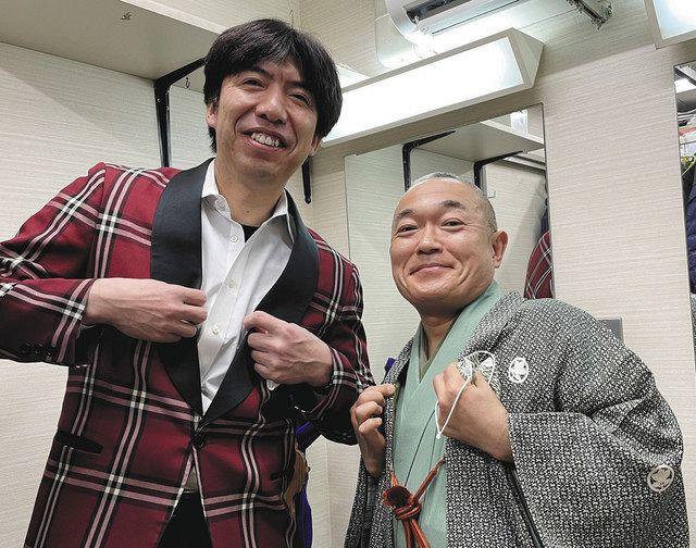 東京・上野広小路亭の楽屋で、桂小南師匠(右)との1枚。皆さん、夜8時まで寄席はやってますよ〜!