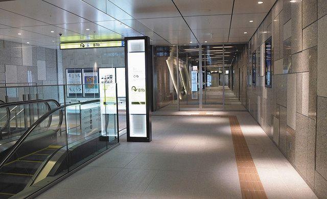 昨年11月に完成した「丸の内テラス」や大手町駅などをつなぐ地下通路=東京・丸の内で