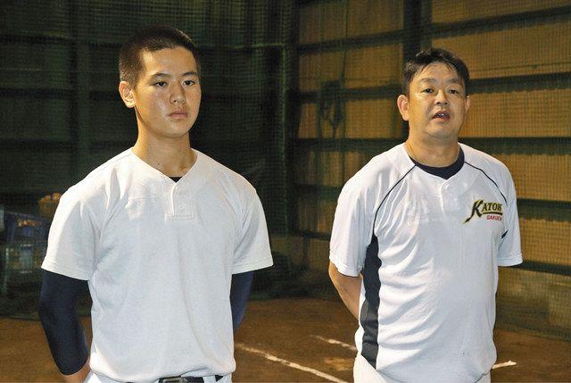 交流試合の相手が決まり、勝利への意気込みを語る勝又友則主将(左)と米山学監督=いずれも沼津市内で