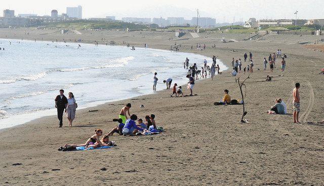 コロナ対策で「海水浴場」のない夏 監視員不在で海が無法地帯化 ...