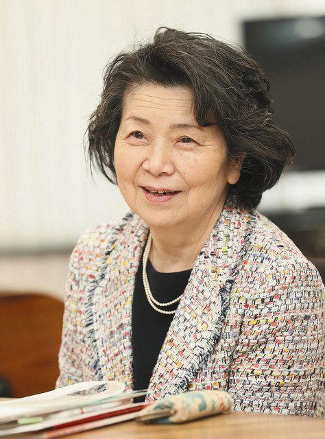 インタビューに答える元最高裁判事の桜井龍子さん