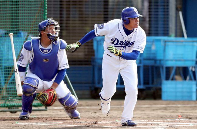 福留孝介 復帰初安打は左中間二塁打:東京新聞 TOKYO Web