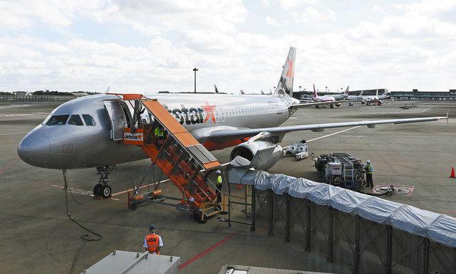 体験フライトの搭乗機=成田空港で