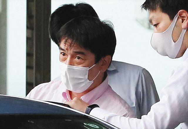 逮捕されたリコール活動団体事務局長の田中孝博容疑者=19日午前、静岡県伊豆市で