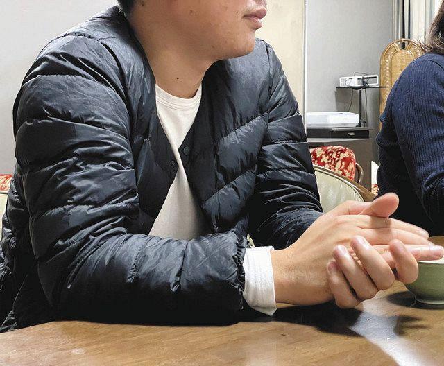 就労も帰国もできない状況となり、「生きるため、帰国準備のために働かせてほしい」と願うベトナム人男性=東京都港区で