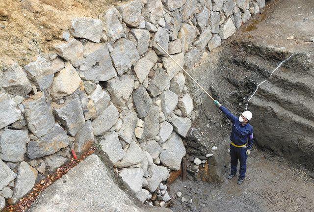 江戸城最古の石垣発見 400年前の技術垣間見える 専門家「全国でも希少 ...