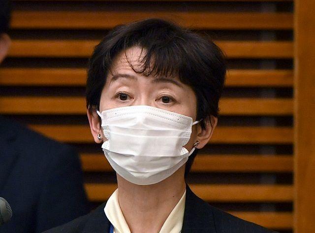 山田 内閣 広報 官
