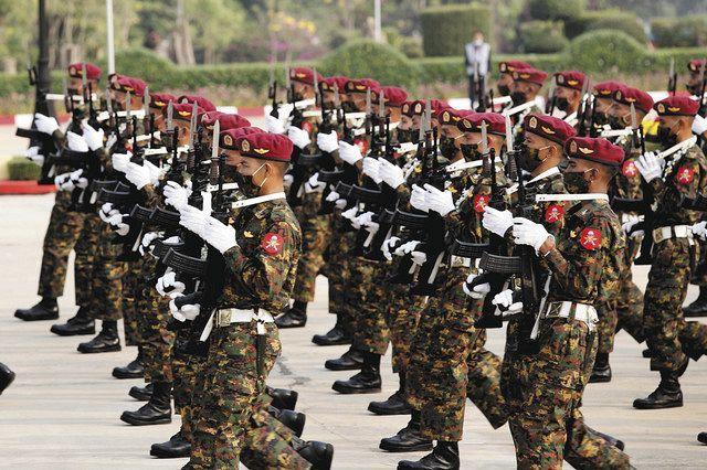 軍事 政権 ミャンマー ミャンマー国軍はなぜ市民に銃を向けるのか…驚愕の「殺戮の歴史」(FRIDAY)