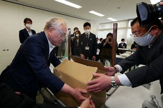 大村知事リコール、署名の8割超が不正か 高須院長らが提出  愛知