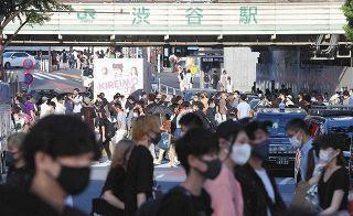 五輪開催がネック、減らぬ人出…東京3000人超、感染急拡大に専門家「危機的状況だ」